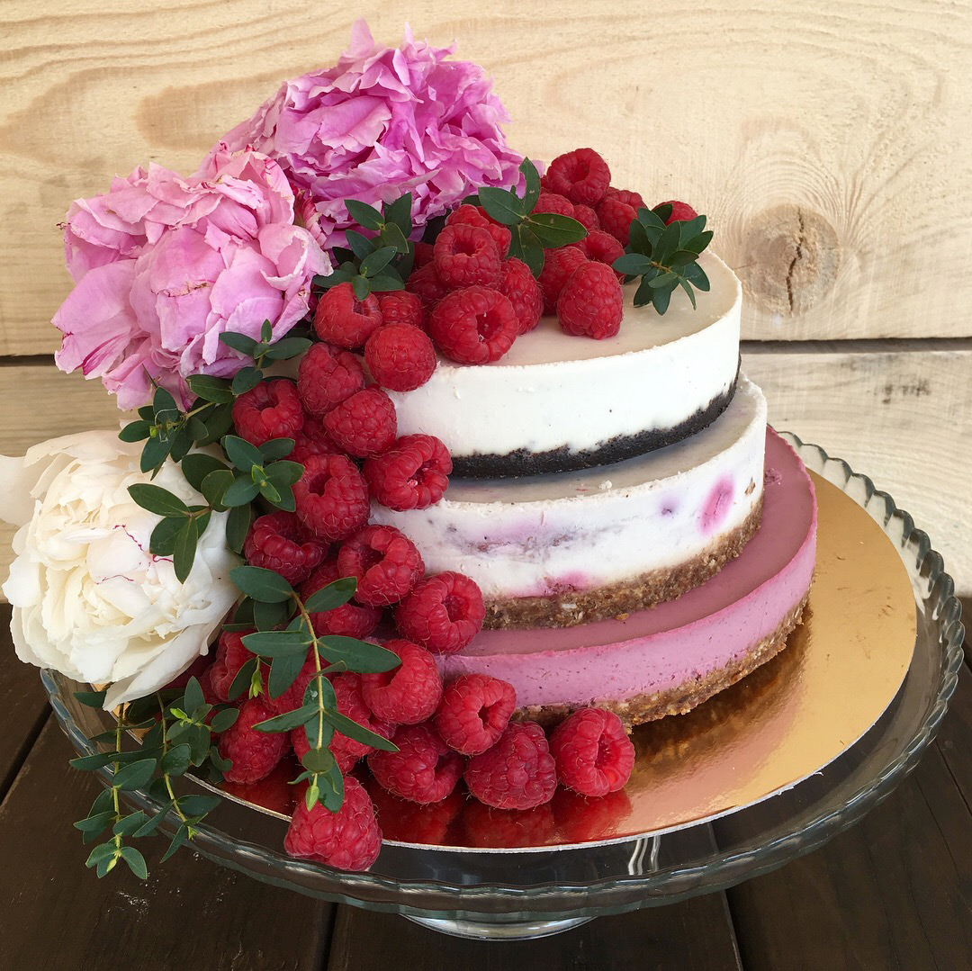 Trojposchodová svadobná torta - nízka